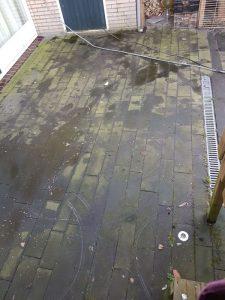 Peters hoveniersbedrijf uit Koudekerk aan den Rijn, het adres voor het maken voor uw terrasreinigig