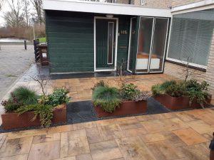Peters hoveniersbedrijf uit Koudekerk aan den Rijn, het adres voor het maken voor uw tuin renovatie